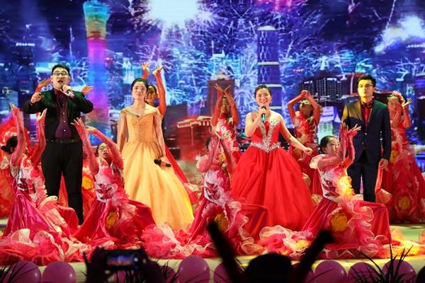 歌伴舞——《共筑中国梦》
